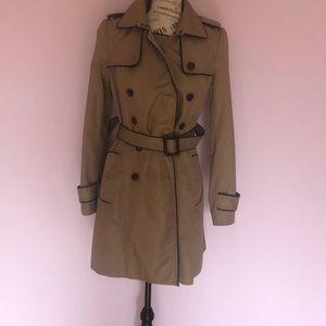 EUC banana republic trench coat